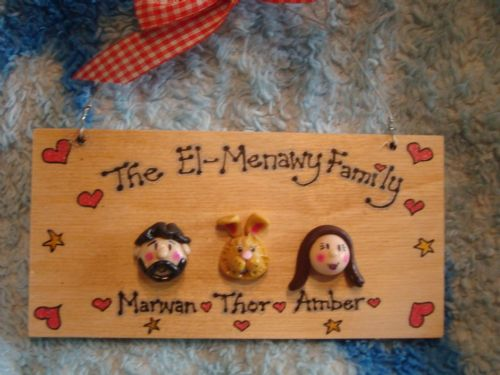 3 CHARACTER FACES FAMILY SIGN WOODEN PLAQUE SHABBY CHIC HANDMADE TO ORDER  PERSONALISED dog cat rabbit
